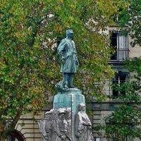 памятник маршалу Файолю :: Александр Корчемный