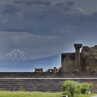 Древняя гора и древний Звартноц :: M Marikfoto