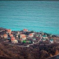 городок у моря :: Sergey Bagach