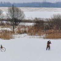 """""""Рыбалка хуже не воли"""", подумал  замёрзший рыбак и начал бурить очередную лунку.... :: Анатолий Клепешнёв"""