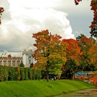 Осень в парке :: Олег Попков