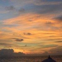 Закат на Бали :: Андрей Головин