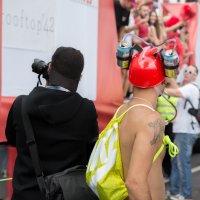 Спиной к спине против парада. :: nelli