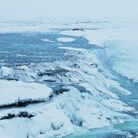 Водопад на далёком острове :: Михаил Лобов (drakonmick)