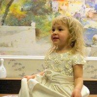 А у меня платье,как у принцессы! :: Наталья Тимофеева