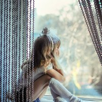 А у окна... :: Elena Peshkun