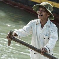 Вьетнам. Рыбацкая деревня. На работу... :: Алёна Лепёшкина