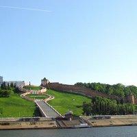 Лестница Чкалова и Нижегородский кремль :: Андрей Франчковский