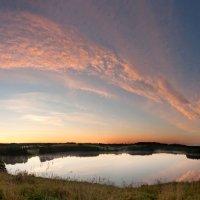 Рассвет над озером :: Eugene Remizov