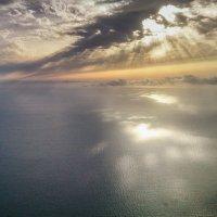 Вечерний океан с высоты птичьего полета :: Сергей Щербаков