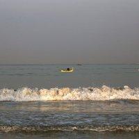 Рыбак освещенный первыми лучами солнца :: OLGA