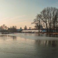 Тонкий лёд февраля :: Игорь Вишняков