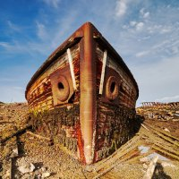 Заброшенный корабль в Териберке :: Наталья Вершинина