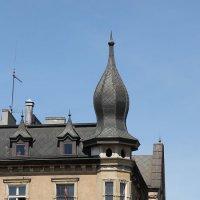 Видимо дом врача. С клизмой на крыше. :: Дмитрий Лебедихин