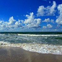 А море-то дышит!... :: Сергей Карачин
