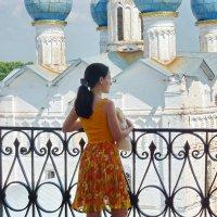 ...древних стен - прохлада, и вся суета осталась за спиной... :: Galina Leskova
