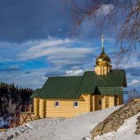 Церковь в горах :: Александр Хорошилов