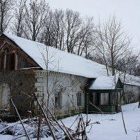 Бывшая усадьба Дашковых в поселке Надбелье :: Елена Павлова (Смолова)