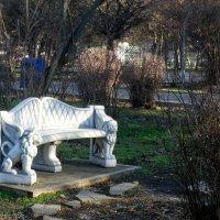 Скамеечка в парке... :: Тамара (st.tamara)