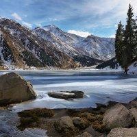 Горное озеро :: Сергей Мурзин
