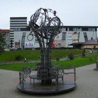 Кованая  скульптура  в  Ивано - Франковске :: Андрей  Васильевич Коляскин