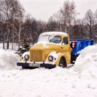 Забытый грузовичок для дедушки Ленина :: Alex Sash