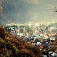 Вечер в горном посёлке :: Татьяна Лютаева
