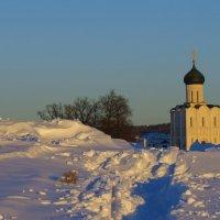 храм Покрова-на-Нерли после снегопадов :: Сергей Цветков