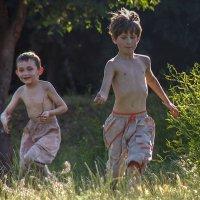 Беззаботное детство :: Veaceslav Godorozea