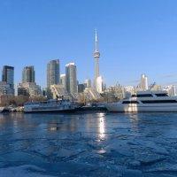 Порт Торонто зимой... в лучах заката :: Юрий Поляков