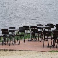 Опустевшее  кафе..... :: Валерия  Полещикова
