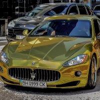 И машины кроют золотом... :: Александр Пушкарёв
