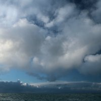 Облака над океаном :: Михаил Лобов (drakonmick)