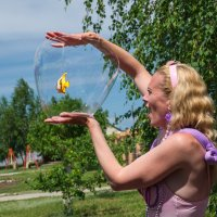 Шоу мыльных пузырей :: Альбина Латышева