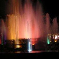 Цветной фонтан :: Михаил Андреев