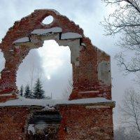 Развалины Ламского павильона. :: Владимир