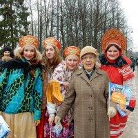 Девицы-красавицы на празднике масленицы :: Елена Гуляева (mashagulena)