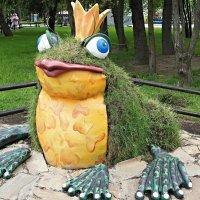 Скульптура вертикального озеленения «Лягушка-царевна» :: Елена Павлова (Смолова)