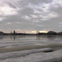 Тает невский лёд :: Вера Моисеева