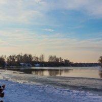 Утро на реке.. :: Юрий Стародубцев