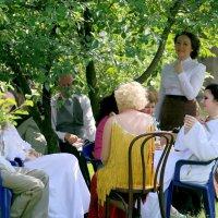 давно забытое-чай за овальным столом,да с ангелочками :: Олег Лукьянов