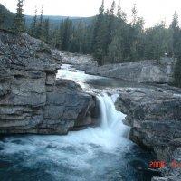 Водопады на реке Элбоу у Калгари. :: Владимир Смольников