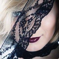 . :: Kate Bond
