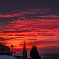 Рассвет в Гурзуфе. :: Виктор Чепишко