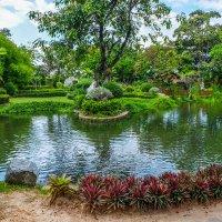 Тайланд. В маленьком парке по дороге из Бангкока в Аюттайю. :: Rafael