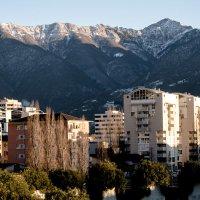 Город в горах :: Witalij Loewin