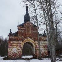 Северные Святые (Тихвинские) ворота :: Елена Павлова (Смолова)