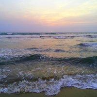 Волны шумят :: Ирина Сивовол