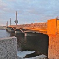 Благовещенский мост на закате :: Елена