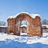 Руины конюшен. :: Владимир